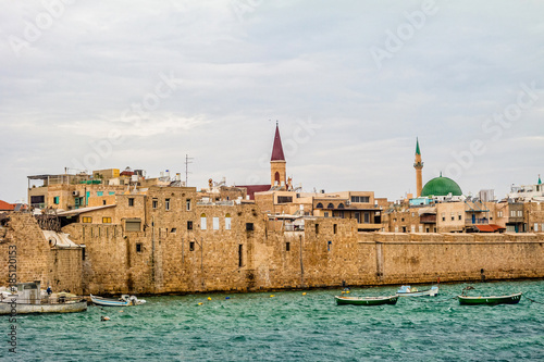 Photo Ancient walls of harbor in Acre, Israel