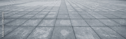 Fotografía Perspective View of Monotone Gray Brick Stone on The Ground for Street Road