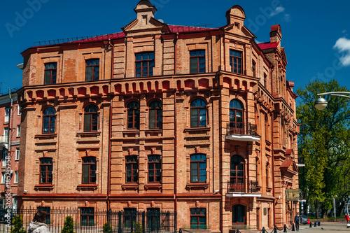 Foto op Aluminium Oude gebouw Facade of an old red brick building