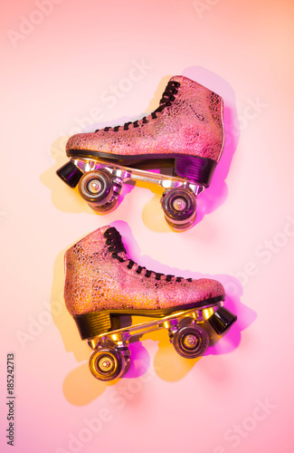Tablou Canvas Retro pink glittery roller skate - poster layout design