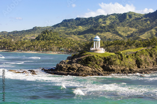 Foto op Plexiglas Caraïben Gorgeous coastal landscape with mountains and gazebo in Dominican Republic.
