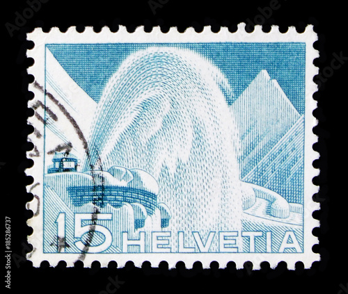 Obraz na plátne MOSCOW, RUSSIA - OCTOBER 3, 2017: A stamp printed in Switzerland shows Snow Remo