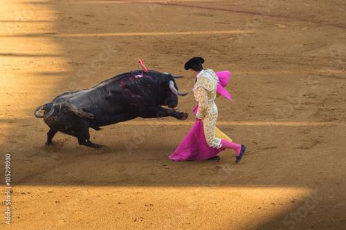 Keuken foto achterwand Stierenvechten Torero durante una corrida.