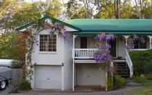 Suburban House Near Brisbane A...