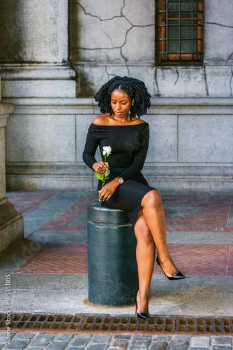 25ae7b2fbac African American Woman seeking love in New York. Wearing long sleeve ...
