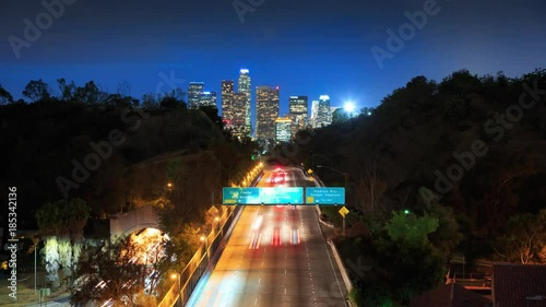 Autocollant - Cinemagraph - Freeway road to downtown Los Angeles at night. 4K UHD Motion Photo