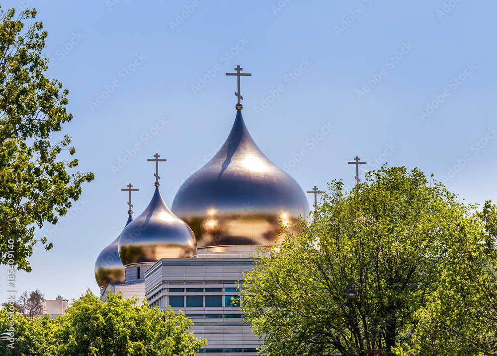 Fototapety, obrazy: Holy Trinity Cathedral and The Russian Orthodox Spiritual and Cultural Center in Paris