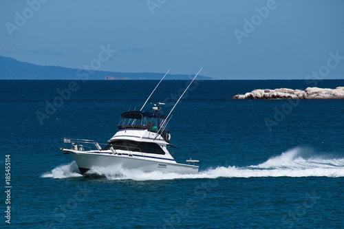 Motor boat in Hazards Bay in Freycinet NP in Tasmania