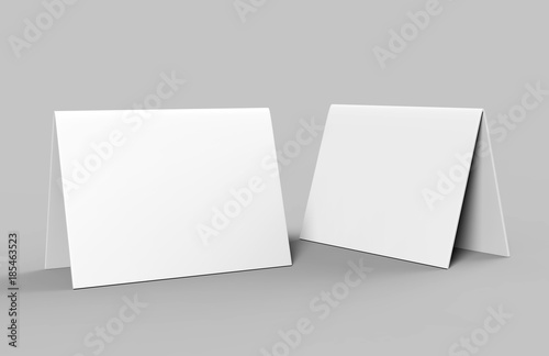 Fotografía  Table tent card. Blank white 3d render illustration.