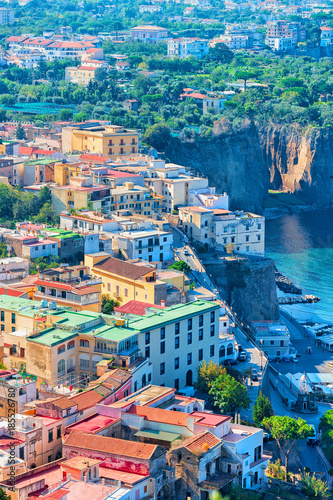 Photo  Cityscape of Marina Grande with houses and port Sorrento