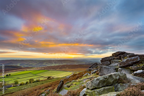 Fotomural Sunset from Stanage Edge, in the Peak District National Park, Derbyshire, Englan