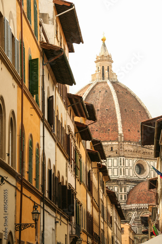 Poster Smal steegje street of florence and Brunelleschi dome