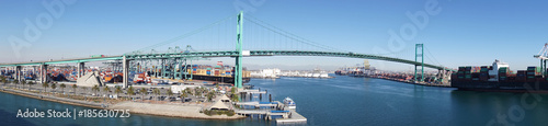 фотография  Panorama of freeway suspension bridge and Long Beach port