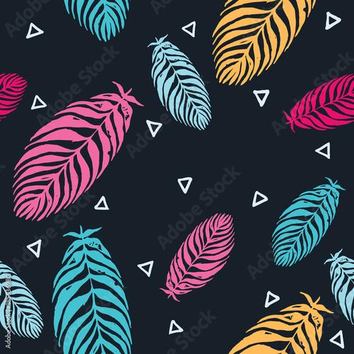 wzor-z-kolorowych-lisci-palmy-na-czarnym-tle