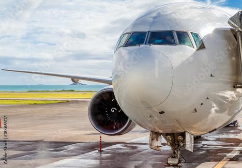 avion à réaction sur le tarmac aux Seychelles Canvas Print