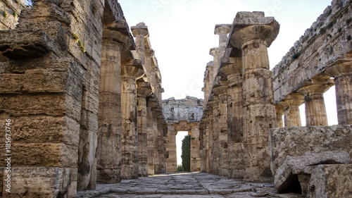 Staande foto Oude gebouw Paestum Italy