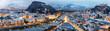 Panorama von Salzburg in den österreichischen Alpen im Winter am Morgen