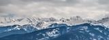 Zimowe góry panorama Zakopanego, Wysokie Tatry, Polska - 185846133
