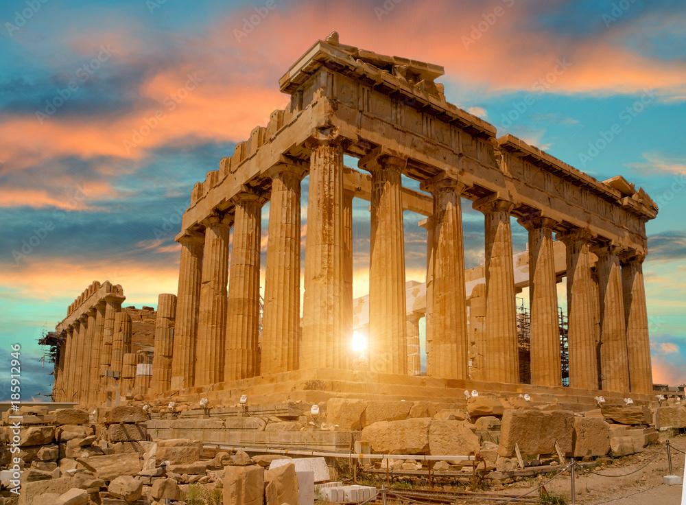 Fototapeta parthenon athens greece sun beams and sunset colors