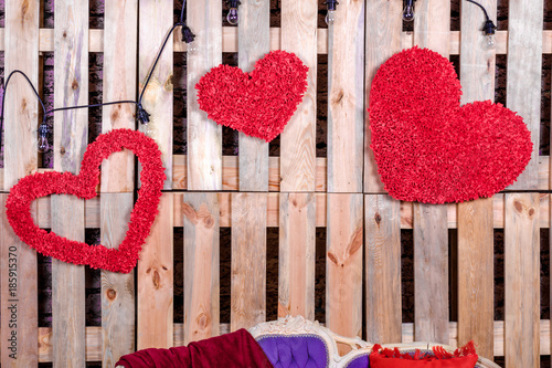 Cadres-photo bureau Poppy Valentines day. Decor interior banner with red hearts handmade on the background of wooden pallets.