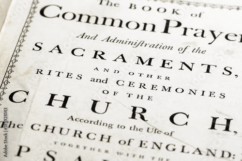 Photographie  Front cover of a very old version of the Book of Common Prayer (CofE)