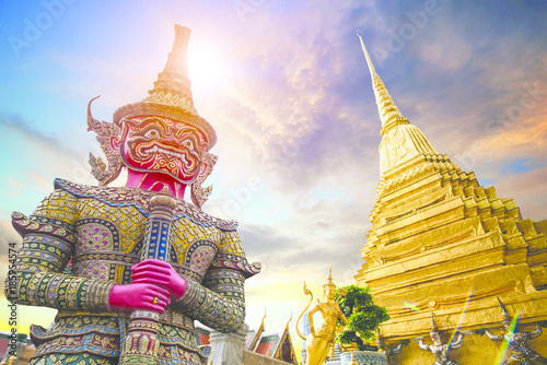 Photo sur Toile Bangkok Wat Phra Kaeo, Temple of the Emerald Buddha Wat Phra Kaeo is one of Bangkok's most famous tourist sites and it was built in 1782 at Bangkok, Thailand