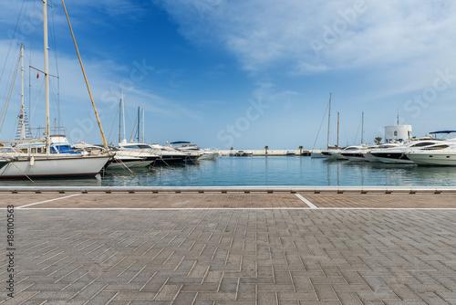 Photo Stands Port Yachthafen Renderbackplate von Santa Eularia auf Ibiza Spanien 2