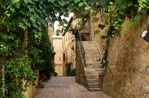 Old italian street in Pienza © katspi