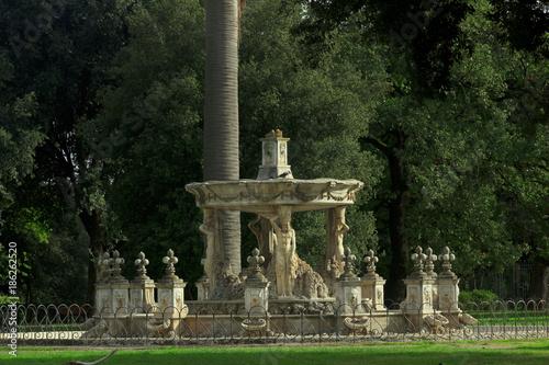 Fotografie, Obraz  the Bernini Fountain in Villa Pamphili in Rome