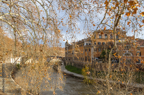 Photo  Rome (Italy) - The Tiber river and the monumental Lungotevere with 'Isola Tiberi