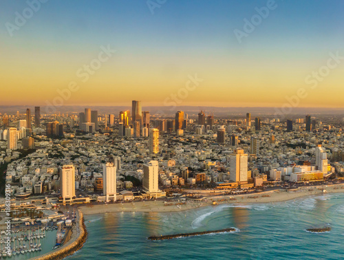 Fotografía  Aerial view of Mediterranean Seashore of Tel Aviv,  Israel.