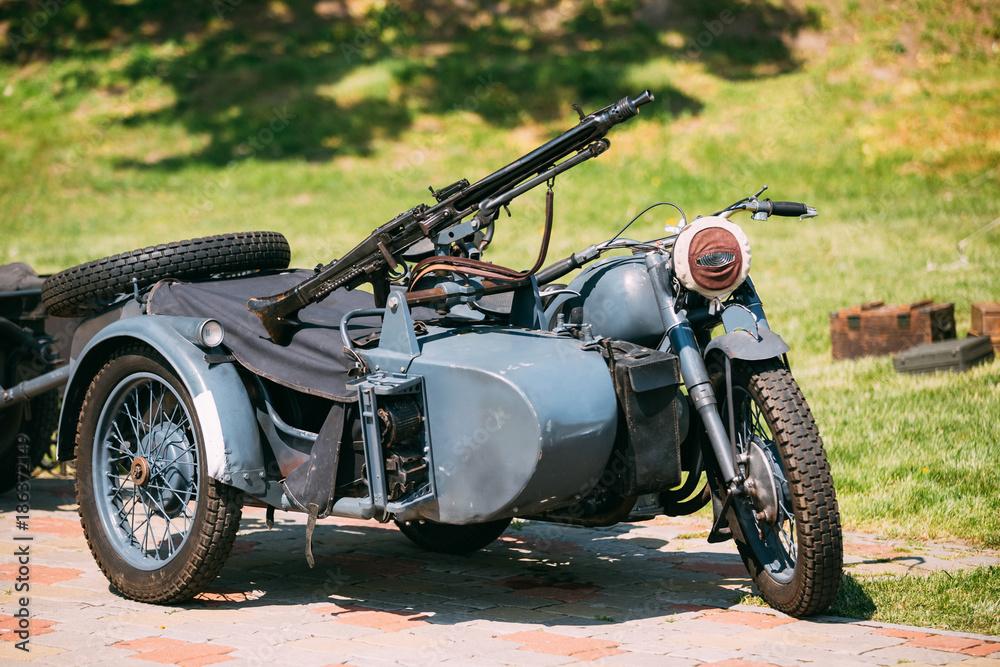 Fototapeta Rarity Blue Tricar Of Wehrmacht. Three-Wheeled Motorbike With Machine Gun