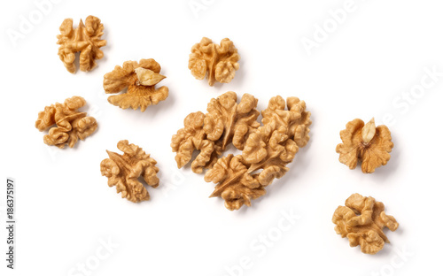 Fotografía walnuts on white background