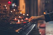 Hand Of Young Woman Lighting V...