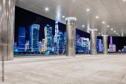Photo  Twilight shot with the Shanghai skyline