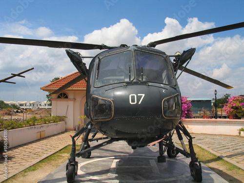 Türaufkleber Hubschrauber Helicoptero militar en Malaca o Melaka, ciudad de Malasia (Asia) situada en la zona meridional de la península de Malaca
