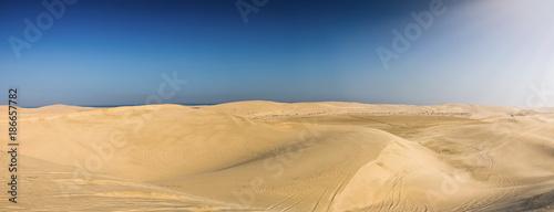 Fototapeta Panorama pustyni Kataru w pobliżu stolicy Doha