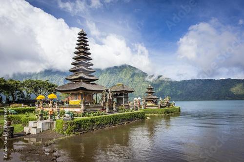 Aluminium Prints Indonesia The lake Temple (Ulun Danu Bratan Temple) located near Ubud, Bali, Indonesia