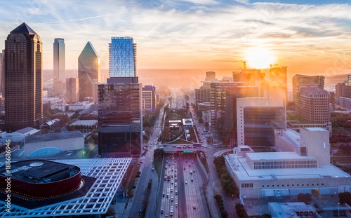 Foto auf Gartenposter Texas Downtown Dallas Smoke Sunset