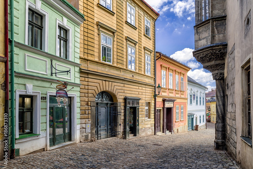 Photo  Colorful Buildings in empty medieval town Kutna Hora, Czech republic