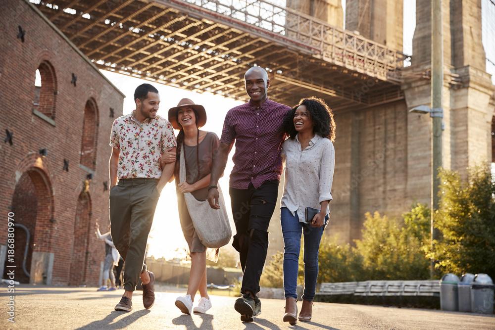 Fototapety, obrazy: Group Of Friends Walking By Brooklyn Bridge In New York City