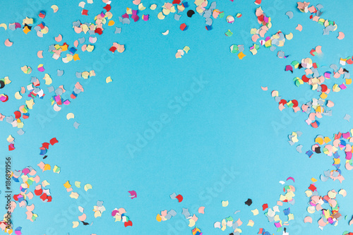 Obraz blue background frame with confetti - fototapety do salonu