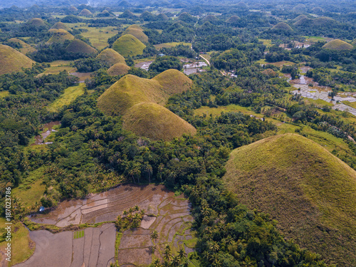 Foto auf Gartenposter Hugel Aerial view of the Chocolate Hills on the island of Bohol, Philippines