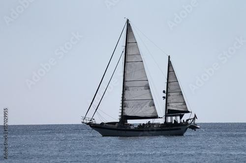 Spoed Foto op Canvas Zeilen Segelschiff auf dem Meer