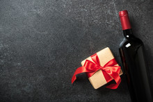 Red Wine Bottle And Gift Box O...