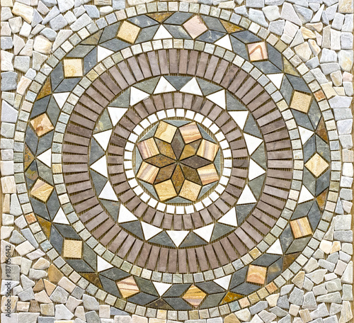 Cuadros en Lienzo Beautiful circle mosaic tile pattern for entrance hall or hallway