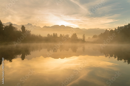 Foto op Aluminium Meer / Vijver Sunrise at Mathson lake Aoraki Mount Cook National Park New Zealand, natural landscape background
