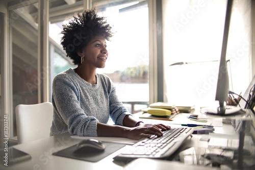 obraz PCV Girl studying at home