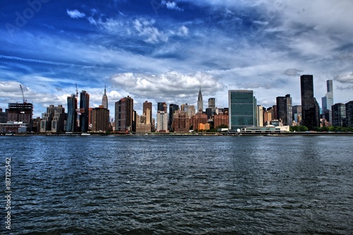 Poster Lieux connus d Amérique Midtown Manahattan and The United Nation From Cross Hudson River