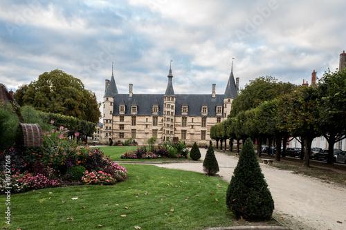 Obraz na plátně palais ducal ville de Nevers